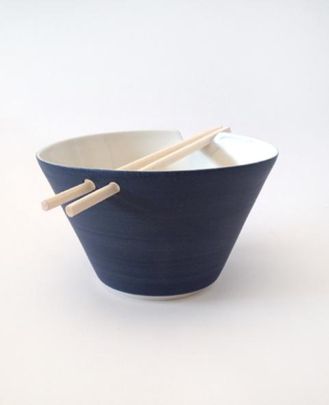 bol-baguettes-chinoises-bleu