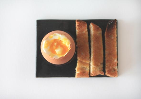 coquetier.ceramique.design.oeuf.1