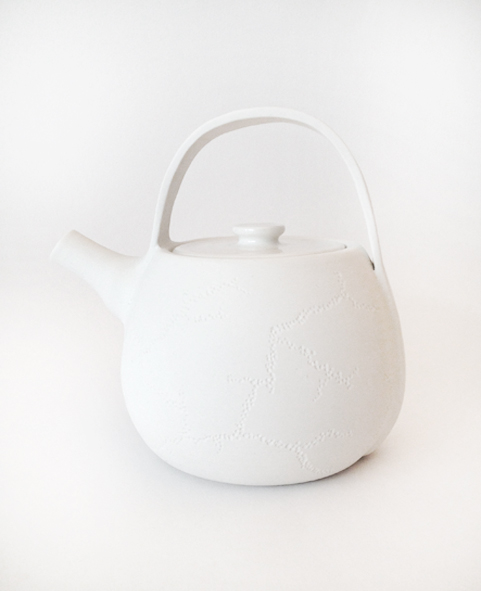théière-porcelaine-motif-creusé-design1